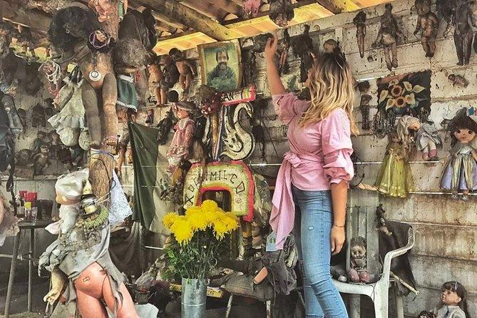 Tour doll island in Xochimilco