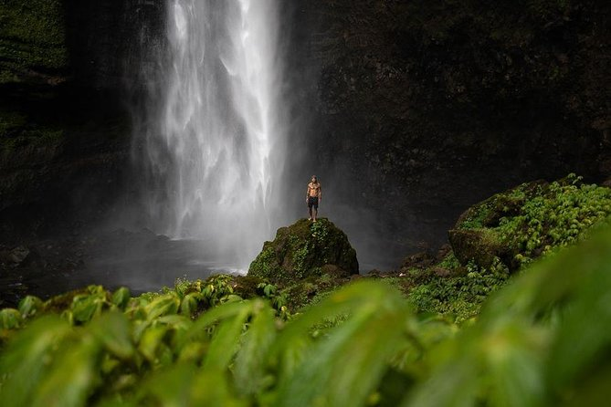 1 Day - Tumpak Sewu, Kabut Pelangi waterfalls, Goa Tetes cave // 06:00 - 18:00