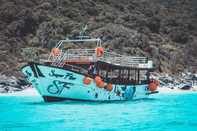 Super Flor Boat Tour - Arraial do Cabo - Brazilian Caribbean