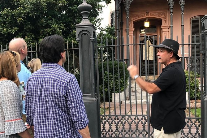 Garden District and Lafayette Cemetery No. 1 tour
