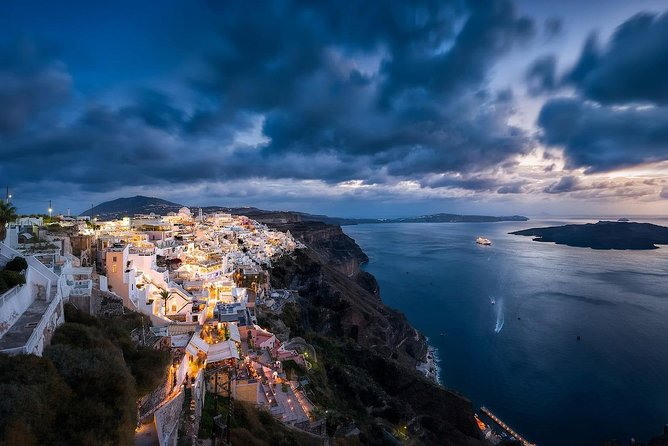 Santorini Luxurious Highlights Tour with Dinner