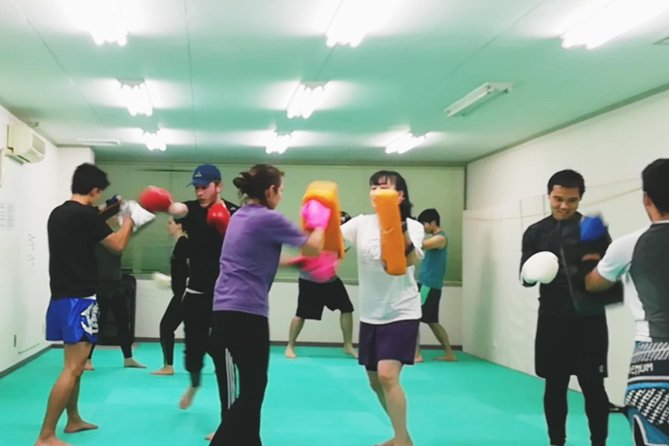 fun kickboxing class for beginners photo 1