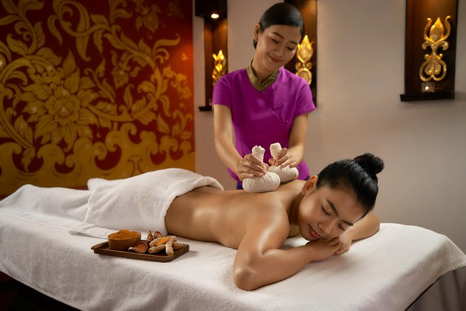 Thai Massage with Herbal compress