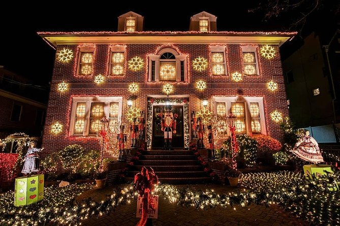 Dyker Heights Christmas Lights Tour in Brooklyn