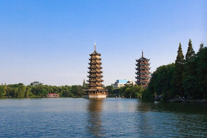 Guilin boutique hotel with transfer and Four Lakes walking tour