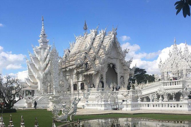 Chiang Rai : Join tour 1 day White temple+Baan dam+Golden Triangle +Long Neck