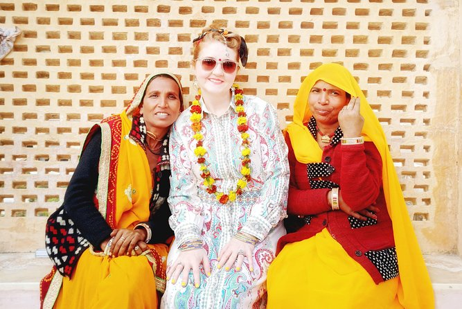 Private Jaipur Sightseeing Tour Including Tour Guide and Car
