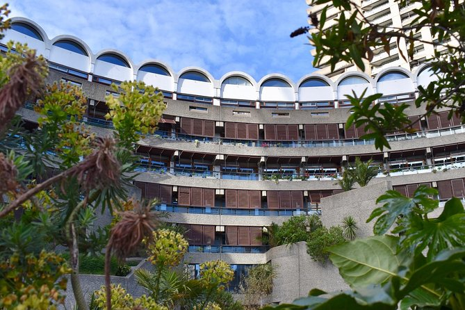 Discovery Walk in London's Barbican: architecture & life