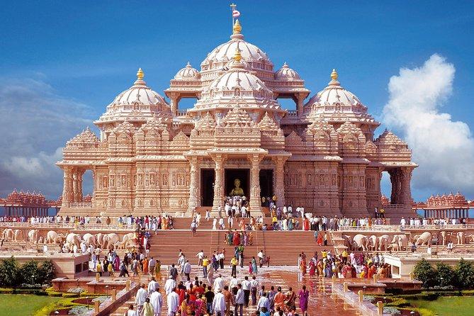 Private Tour of Akshardham Temple, Lotus Temple & Iskcone Temple in Delhi