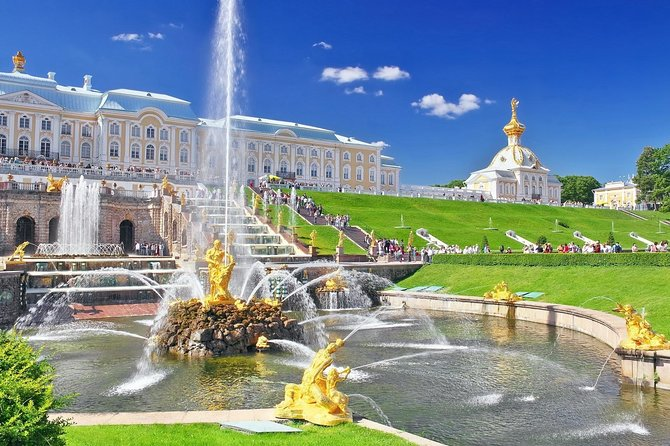 Private tour to Park and Grand Palace of the Peterhof photo 16