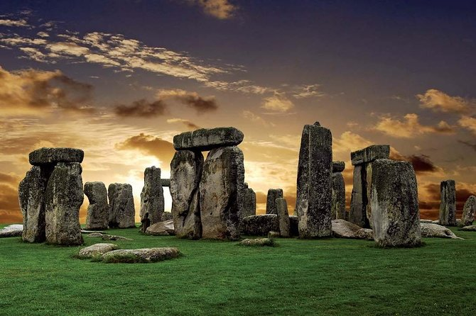 Private Chauffeur at your Disposal to & from Stonehenge & Bath