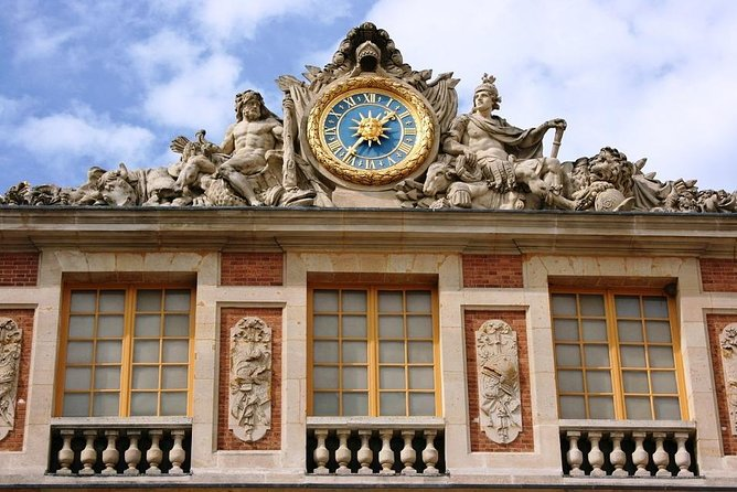 Palace of Versailles : Express Guided Tour with Fast-track Entry