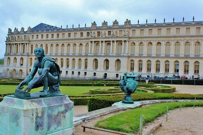 Palace of Versailles, Gardens, Trianon & Grand Canal Park (Audioguide+Fast Pass)