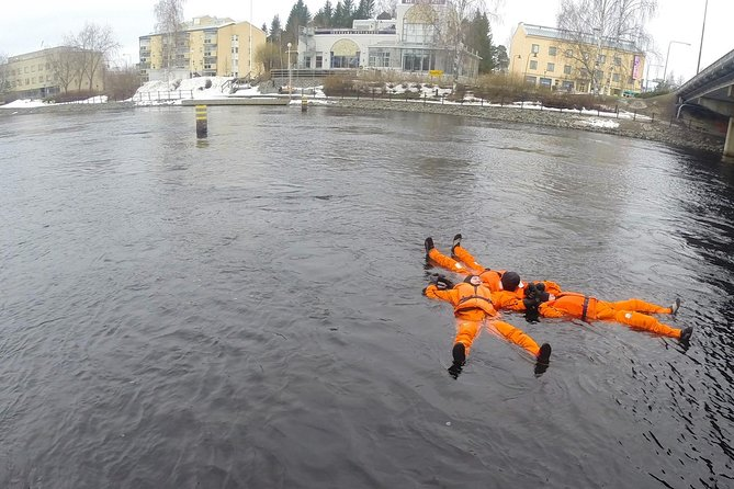 Private Ice-Floating Experience on the Pirtinvirta River in Varkaus