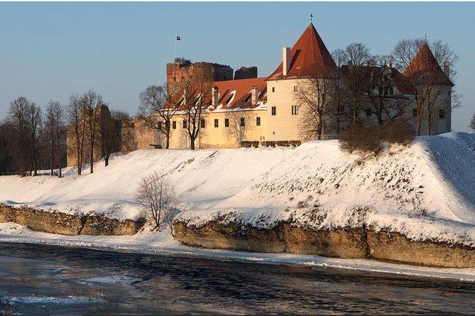 Vilnius - Riga via Hill of Crosses, Rundale Palace and Baska Castle