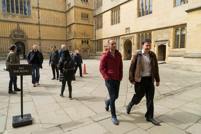 Peter guiding at Bodleian library quad