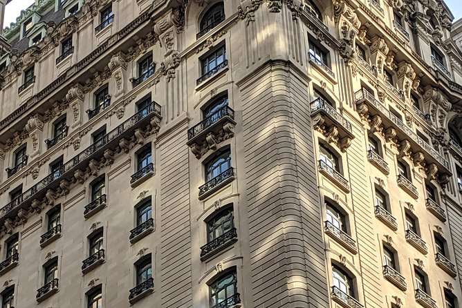 Fifth Avenue History Walk and Live Jazz