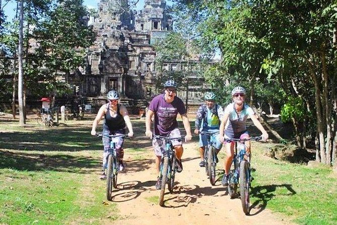 Angkor Sunrise Bike Tour with Breakfast & Lunch