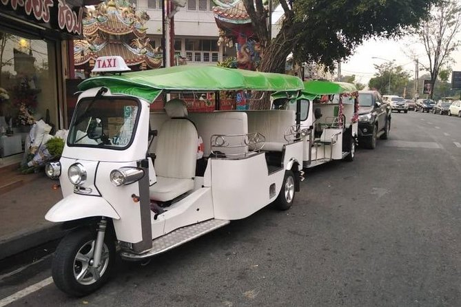 Private Half Day Tour Chiang Mai City and Culture by Tuk Tuk (Program A)