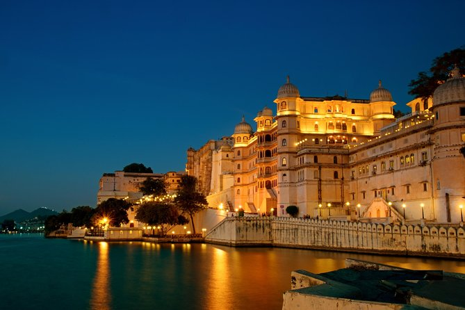 Udaipur Sightseeing Tour By Car
