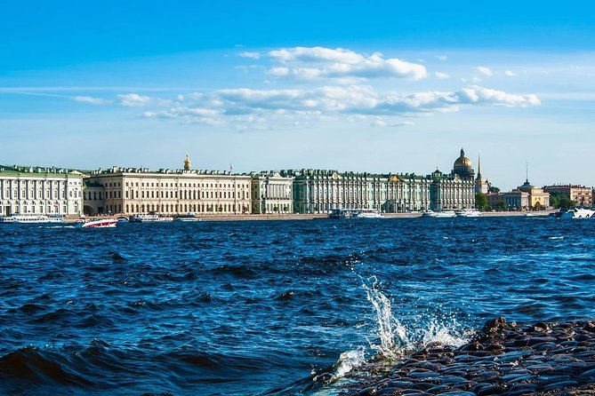 Private walking tour of St. Petersburg with a boat trip on the Neva River