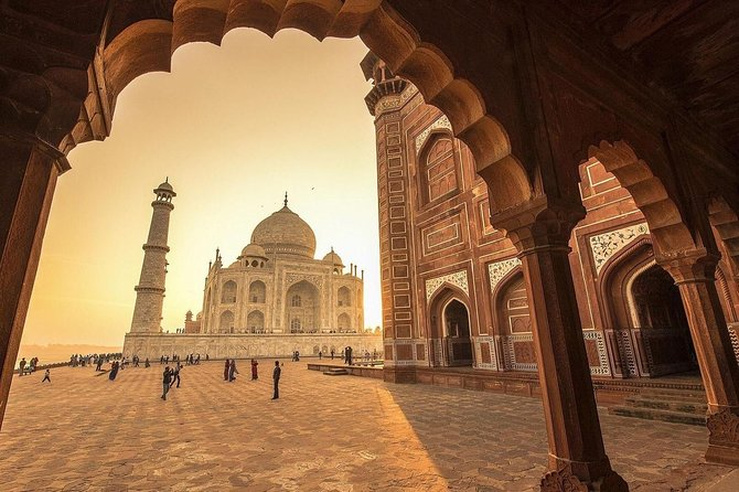 Private Same Day Taj Mahal, Agra Fort and Fatehpur Sikri Tour From Delhi by Car