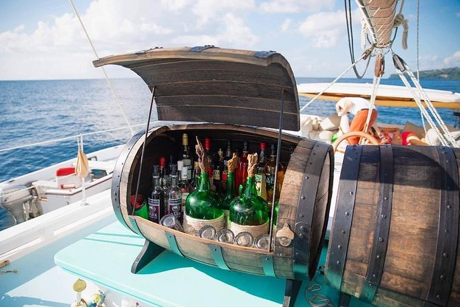Full-Day Sailing and Diving in Saint George's with Lunch