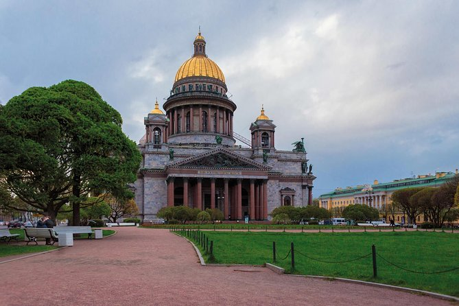 Saint-Petersburg Must-See Private City Tour with St.Isaac Cathedral