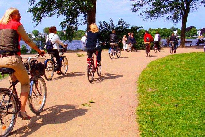 Bike tour through the beautiful Hamburg - Aussenalster bike tour
