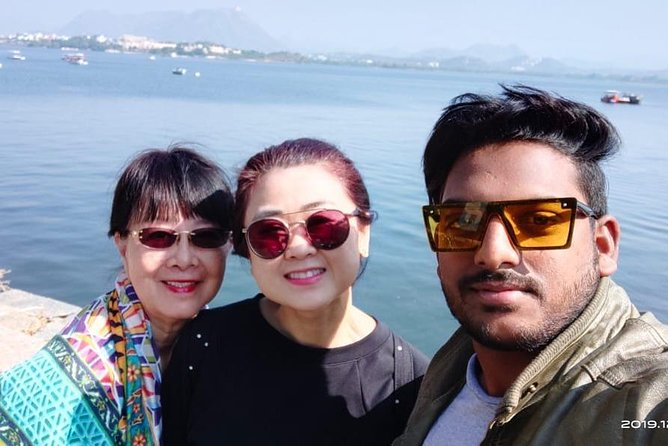 Udaipur Sightseeing With Private Guide & Car
