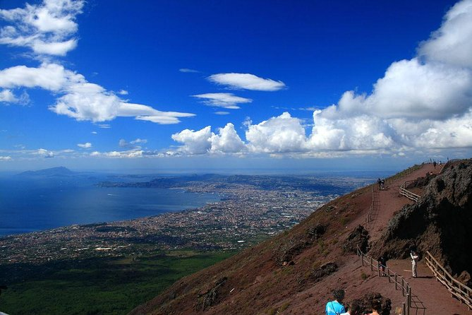 Naples cruise excursion day tour Pompeii mount vesuvius (volcano) & wine tasting photo 4