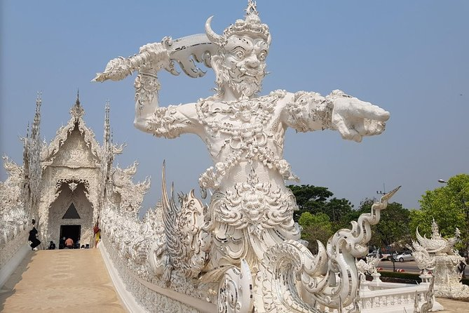 Chiang Rai:Join One day White temple+Baan dam+GoldenTriangle+Long Neck+Boat trip photo 12