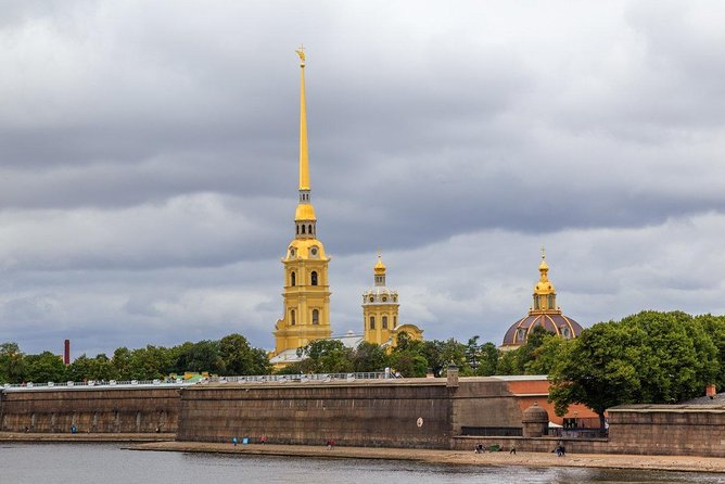 All highlights of St. Petersburg in 5 days (hotel is not included)