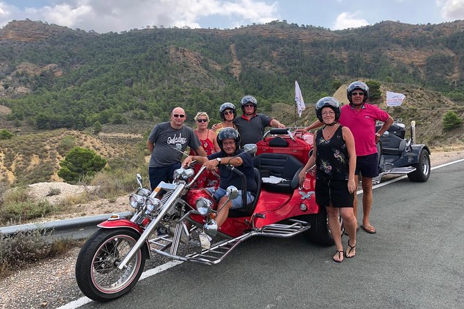 "Luxury Rewaco Trike ""The Photo Blaster Tour"" - (2 hours, Min of 2 passengers)"