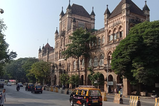City Tour plus slum Tours Mumbai by car
