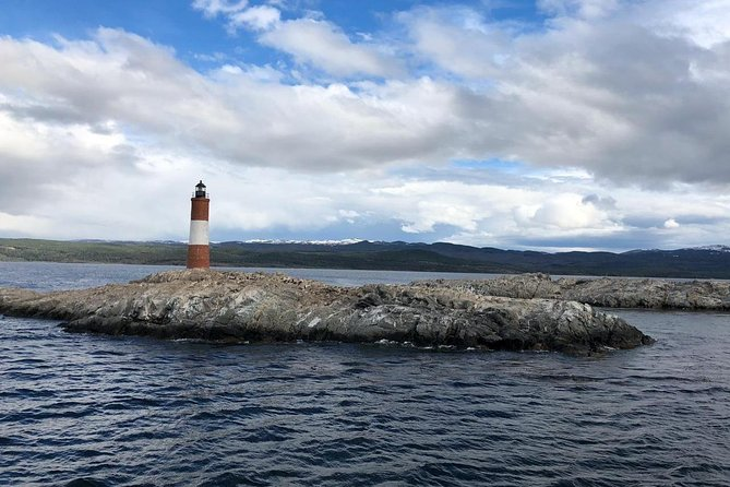 Beagle Channel Boat Navigation with Penguin Colony and Harberton Ranch
