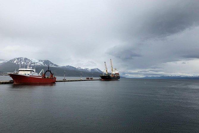 2-day tour:Tierra del Fuego NP + Beagle Channel Navigation + Fagnano & Escondido