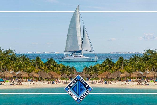 Luxury Catamaran tour to Isla Mujeres with transportation from Playa del Carmen