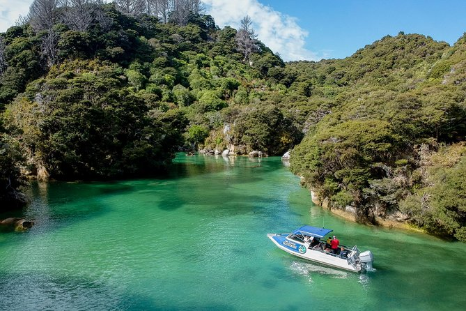 Abel Tasman Boat and Walk Eco Tour. Lunch Included