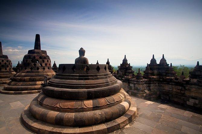 1-Day Yogyakarta Borobudur and City Tour - PRIVATE Tour with GUIDE