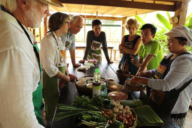 Luang Prabang Bamboo Weaving and Cooking Class