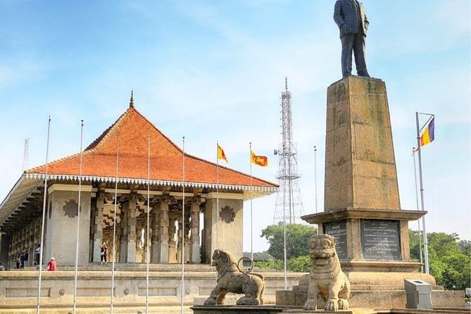 Colombo City Tour with private car and driver
