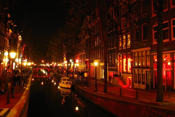 Private Amsterdam Red Light District and pub tour