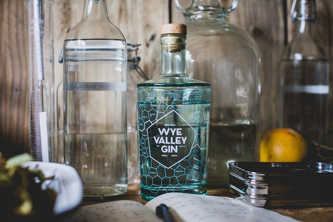 'Distil your own gin' experience photo 1