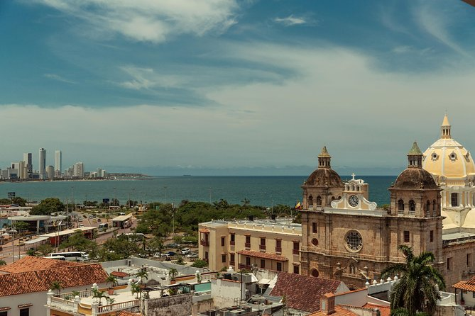 Walk and photos through the beautiful streets of Cartagena de Indias