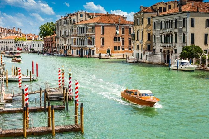 Venice Grand Canal Guided Tour By Boat photo 1