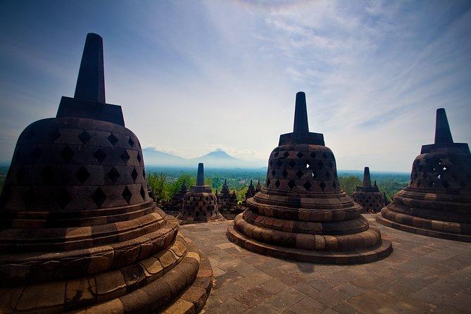 1-Day Yogyakarta Merapi Borobudur - PRIVATE Tour with GUIDE