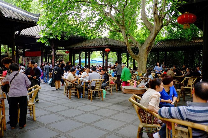 Chengdu Day Trip of Giant Panda and Local Culture Experience photo 1