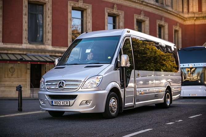 Private Minibus Arrival Transfer: Luton Airport to Central London