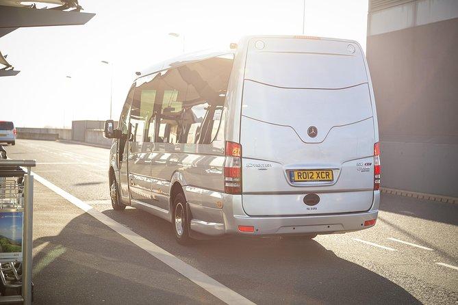 Private Minibus Arrival Transfer: Gatwick to Central London Airport